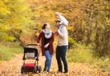Spacer z dzieckiem – 9 rzeczy, które muszą się znaleźć w torbie każdej mamy