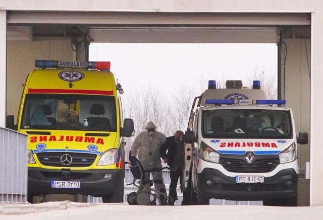 Czwartek przyniósł absolutny rekord zakażeń koronawirusem w Polsce. Po raz pierwszy od początku pandemii liczba nowych przypadków w ciągu jednego dnia przekroczyła 35 tysięcy