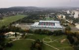 Kraków. Częściowo podziemny parking przy stadionie Wisły i otwarcie na Park Jordana