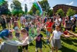 Pierwszy Bydgoski Dzień Bańki Mydlanej odbył się na Wyspie Młyńskiej w Bydgoszczy [zdjęcia]