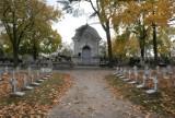 Cmentarz na Majkowie w Kaliszu. Niezwykłe groby kaliskich Romów i nie tylko.  ZDJĘCIA
