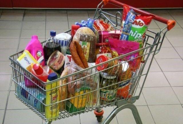Agencja ASM Sales Force Agency sprawdziła, ile za przykładowy koszyk zakupów zapłacimy w sklepach najpopularniejszych sieciach handlowych (Biedronka, Lidl, Tesco, Carrefour, Kaufland, Auchan, Selgros, Makro, Intermarché, E. Leclerc., platformy zakupowe online).   W każdym z nich koszyk zawierał te same 40 produktów (m.in. chemię domową i kosmetyki, mięso, ryby, mrożonki, nabiał, napoje, słodycze, alkohol itp.).    Sprawdź, ile kosztowały zakupy w sklepach najpopularniejszych  sieci handlowych ---->