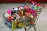 W których sklepach zapłacisz najmniej za koszyk z zakupami? Sprawdź porównanie cen