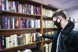 Od dziś zbiory Czytelni Głównej również dostępne do domu. Wojewódzka i Miejska Biblioteka Publiczna w Rzeszowie z nową usługą