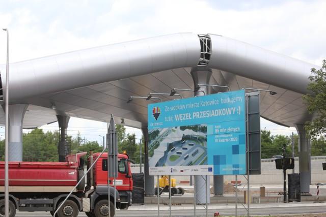 """Centrum Przesiadkowe """"Zawodzie"""" w Katowicach"""