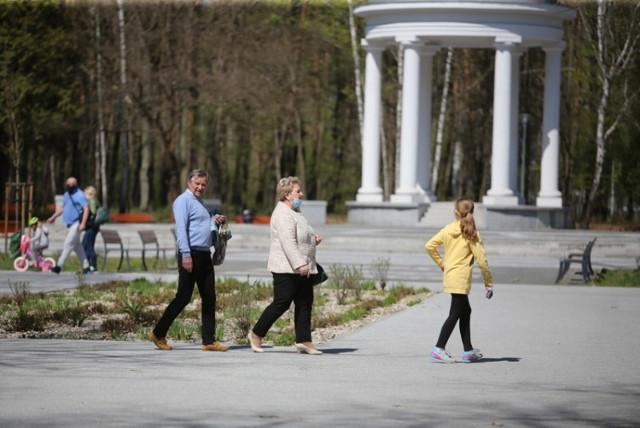 Park Zielona ponownie zapełnia się powoli spacerowiczami i amatorami jazdy na rolkach czy rowerach