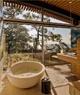 Z tych toalet jest lepszy widok na morze niż z 5-gwiazdkowego hotelu! [GALERIA]
