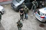 Szczeciński gang rozbity. Kulturysta i Dziobak aresztowani. Zobacz, jak to wyglądało [WIDEO, ZDJĘCIA]