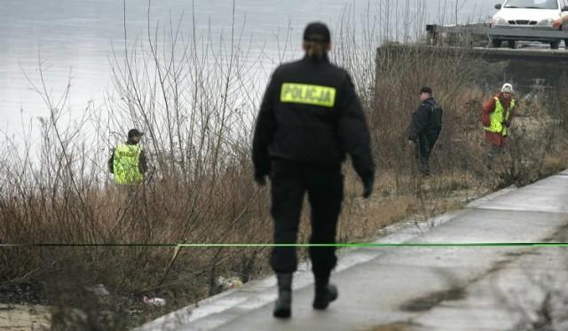 Policjanci będą ustalali kim był mężczyzna, znaleziony w Wiśle.