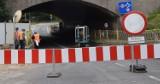 Przebudowa wiaduktów w Stargardzie. Kolejna droga zamknięta dla pojazdów. Piesi przechodzą jedną stroną