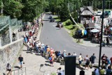 Kasprowy Wierch. Gigantyczna kolejka do kolejki. - Idziemy na rekord - mówią górale. Turyści stoją po trzy godziny