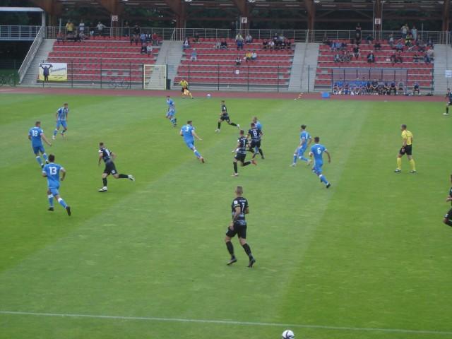 Stal Brzeg przegrywa 1:3 z Polonią Bytom.