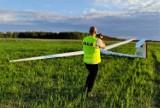 80-letni pilot szybowca awaryjnie lądował w gminie Lipnica. Mężczyzna wyszedł z tego cało