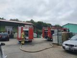 Pożar w Pucku: zapalił się skład węgla. W akcji cztery zastępy straży pożarnej powiatu puckiego   ZDJĘCIA, NADMORSKA KRONIKA POLICYJNA