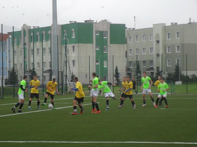 W minioną sobotę (26 września) rozegrano ligowy mecz Juniorów B1. Zmierzyły się ze sobą Jantar Ustka i Radunia Stężyca. Spotkanie zakończyło się zwycięstwem ustczan 5:3. Bramki dla Jantara strzelili: Data (28, 32, 54, 82 minuta) oraz Zagóra (58 minuta). Zobaczcie fotorelację!