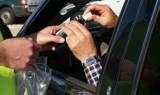 Do 30 tysięcy złotych kary i do 2 lat więzienia grozi choszczeńskiemu kierowcy. 63-latek spowodował kolizję po alkoholu i łamiąc kwarantannę