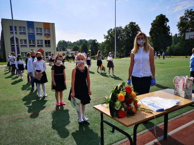 Koniec roku szkolnego i nagrody dla najlepszych uczniów w Będzinie Zobacz kolejne zdjęcia/plansze. Przesuwaj zdjęcia w prawo - naciśnij strzałkę lub przycisk NASTĘPNE