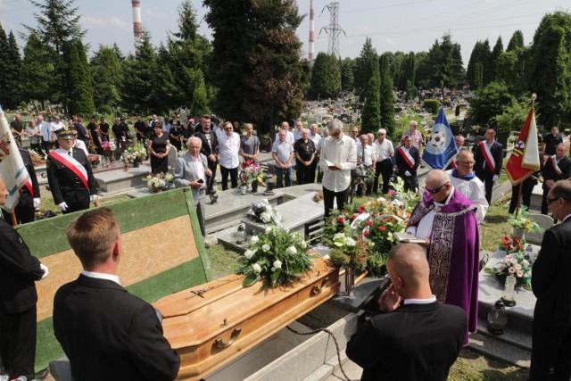 Pogrzeb Józefa Gałeczki w Sosnowcu.   Zobacz kolejne zdjęcia. Przesuwaj zdjęcia w prawo - naciśnij strzałkę lub przycisk NASTĘPNE