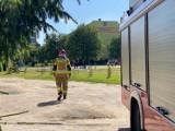 """Alarm bombowy w liceum w Sępólnie. Służby ewakuowały 70 osób. """"Mail o ładunku wybuchowym otrzymało 600 szkół w kraju"""""""