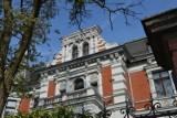 Pałac Piescha wystawiony na sprzedaż. To jeden z najładniejszych budynków ZDJĘCIA