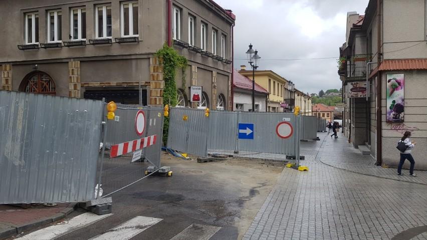 Bochnia. Nowa organizacja ruchu w centrum na ulicy Mickiewicza [ZDJĘCIA]