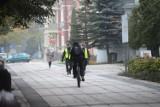 Temat rowerzystów na deptaku wciąż porusza mieszkańców. Czy jest jakieś rozwiązanie, byśmy wszyscy poczuli się tu bezpieczni?