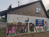 Gębarzewo. Na przystanku autobusowym powstał piękny mural