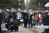 Grodzisk Wielkopolski: uroczystości Wszystkich Świętych na cmentarzu parafialnym [ZDJĘCIA]