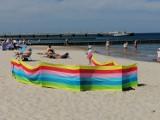 W Kołobrzegu majowe lato i plażowanie.  Kuracjusze trafili pogodową dziesiątkę