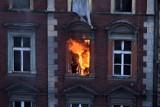 Bytom: Trzeci pożar tej samej kamienicy w pół roku. Strażacy opanowali ogień przy ul. Witczaka 5