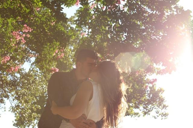 Przyjemne i pożyteczne - tych rzeczy możesz nie wiedzieć o pocałunkach, a naprawdę warto. Całuj się nie tylko dla przyjemności, ale i na zdrowie!