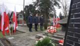 W Jaworznie pamiętali o zamordowanych kolejarzach. Pod pomnikiem w Szczakowej złożono kwiaty