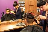4 kroki do modnej fryzury i makijażu na Sylwestra FOTO / FILM