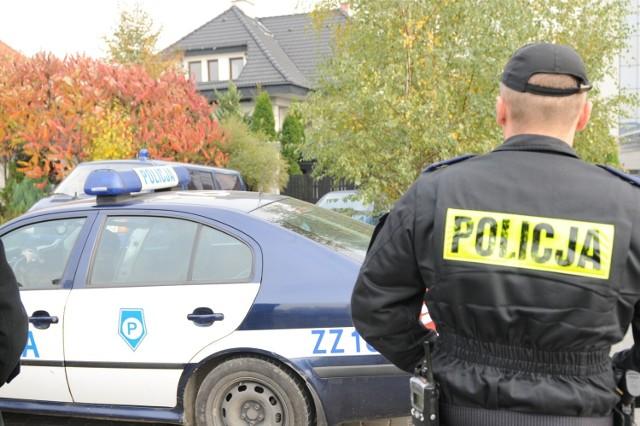Policjanci zatrzymali 46-letniego mężczyznę, który prowadził mimo ponad 2,8 promila. Nie zatrzymał się do kontroli drogowej.