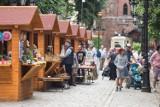 Letni Jarmark Wakacyjny przy ulicy Nowobramskiej w Słupsku [ZDJĘCIA]