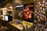 Cybermachina w końcu dotarła do Warszawy. Niezwykły pub dla graczy już otwarty. Zobaczcie jego niesamowite wnętrza