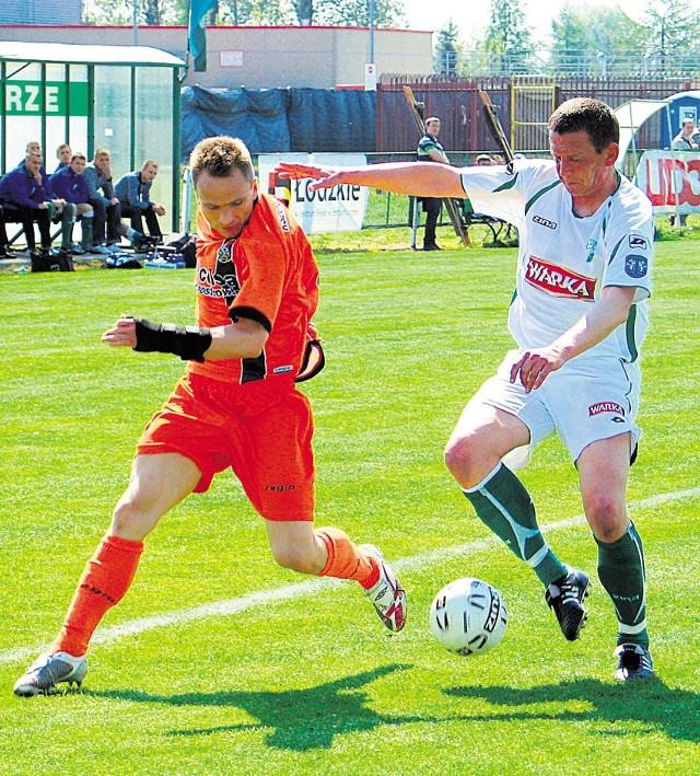 Dwa gole dla Widoku zdobył w środę Dariusz Skoczylas (z piłką)