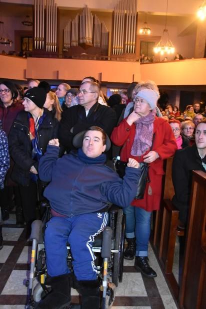 Anna Wyszkoni wystąpiła w Królowej Jadwidze. W kościele zjawiły się tłumy
