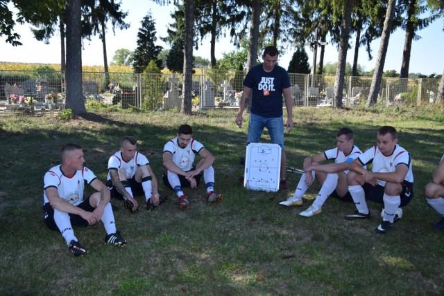 Mecz piłkarski w A-klasie Delta Smardzewo kontra Victoria Szczaniec - niedziela, 22 września 2019