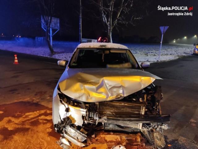 Wypadek w Jastrzębiu. Zderzenie aut w środku nocy na skrzyżowaniu Gagarina z Rybnicką