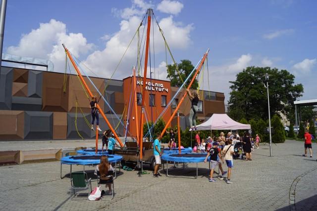 Piątek ze sportową rywalizacją na placu Viannay'a w Czeladzi. 30 lipca takie atrakcje będą czekać na rynku starego miasta   Zobacz kolejne zdjęcia/plansze. Przesuwaj zdjęcia w prawo - naciśnij strzałkę lub przycisk NASTĘPNE