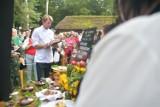 Konkursy, pokazy i tłum smakoszy podczas Festiwalu Ziemniaka w Muzeum Wsi Radomskiej. Gościem specjalnym był Karol Okrasa - zdjęcia i film