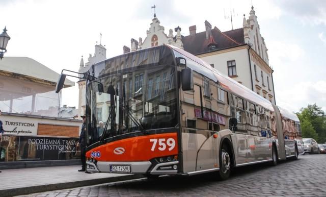 Rzeszów od lat stawia na zakupy autobusów ekologicznym. Tabor, jakim dysponuje rzeszowskie MPK, jest jednym z najnowocześniejszych w kraju.