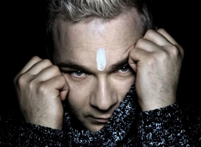 """""""Czas"""" - niepublikowany nigdy wcześniej utwór, skomponowany przez zmarłego w lutym 2020 r. Romualda Lipko, dla Mariusza Wawrzyńczyka – miał premierę 21 stycznia 2021 roku"""