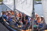 Klub Seniora Śrem. Seniorzy wybrali się w rejs po jeziorze Grzymisławskim