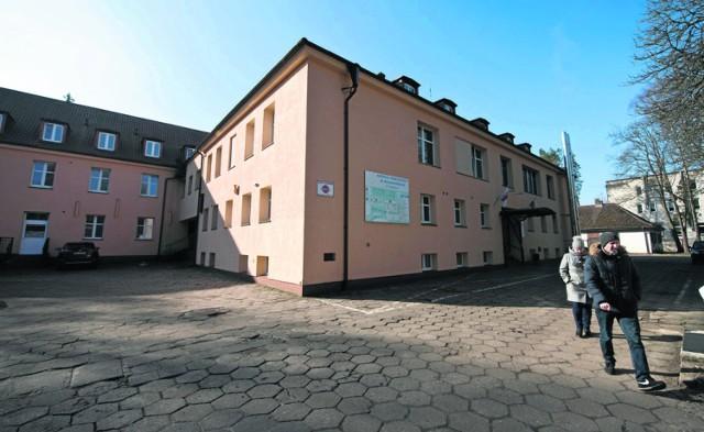 Szpital powiatowy w Białogardzie dziś działa w dwóch lokalizacjach - przy ul. Chopina i Szpitalnej