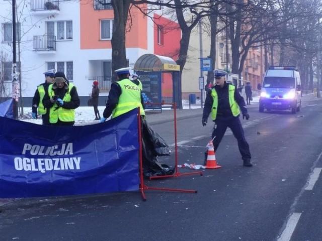 W całym województwie śląskim w wypadkach zginęło w tym roku 60 osób.     Zobacz kolejne zdjęcia. Przesuwaj zdjęcia w prawo - naciśnij strzałkę lub przycisk NASTĘPNE