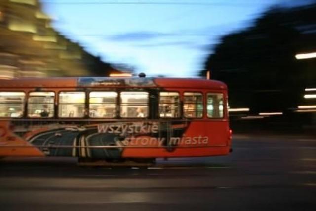 28 kwietnia inaczej pojadą tramwaje i autobusy. Sprawdź zmiany w ...