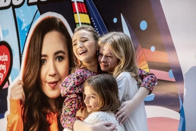 Gościem specjalnym Galerii Malta w Poznaniu była zwyciężczyni drugiej edycji The Voice Kids Anika Dąbrowska. Przejdź do kolejnego zdjęcia --->