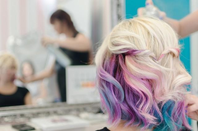 To najmodniejsze fryzury na jesień i zimę 2020/2021! Zobacz najgorętsze fryzjerskie trendy --->